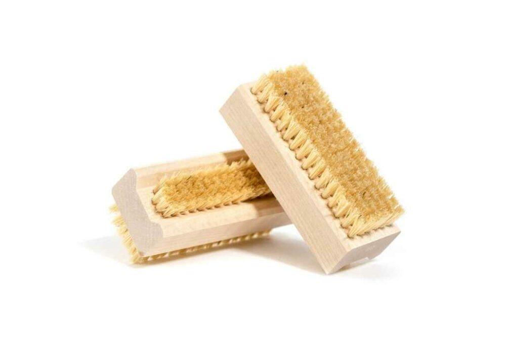 Raspall de fusta per ungles